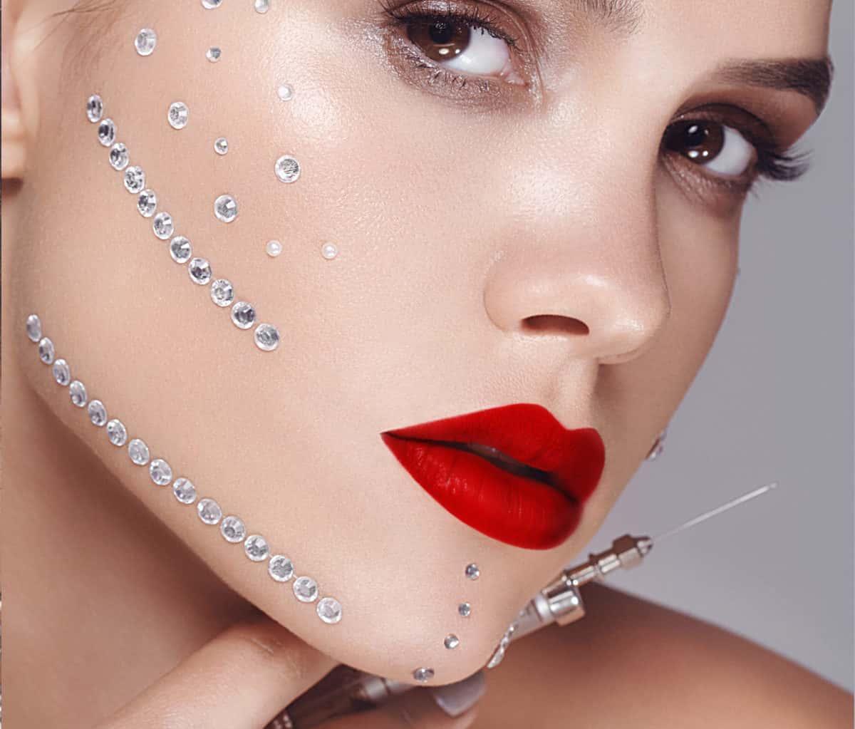 Безоперационное устранение возростных изменений кожи лица